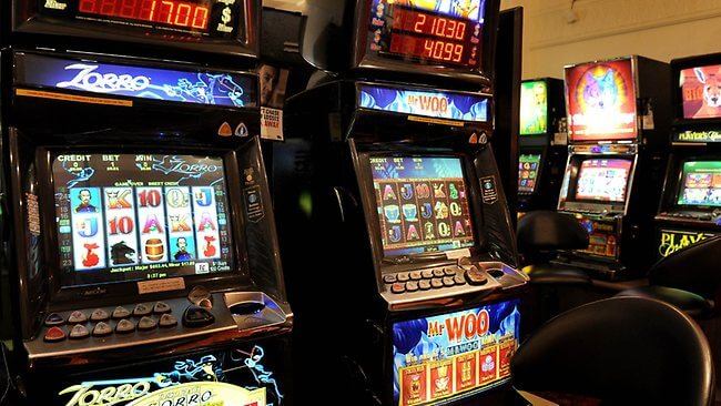 Where to Play Free Pokies Games?